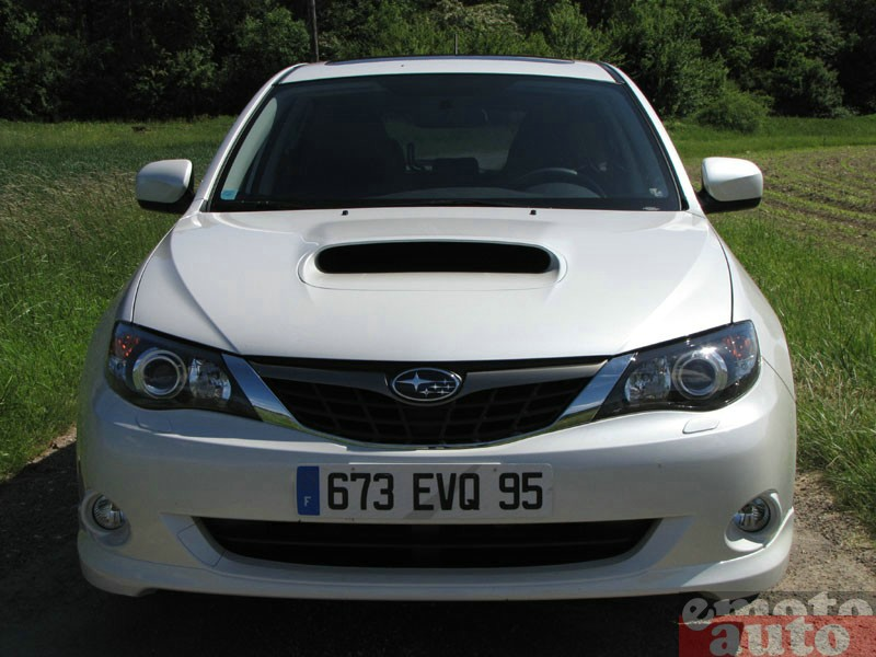 Photo Subaru Impreza 2.0D modèle 2009