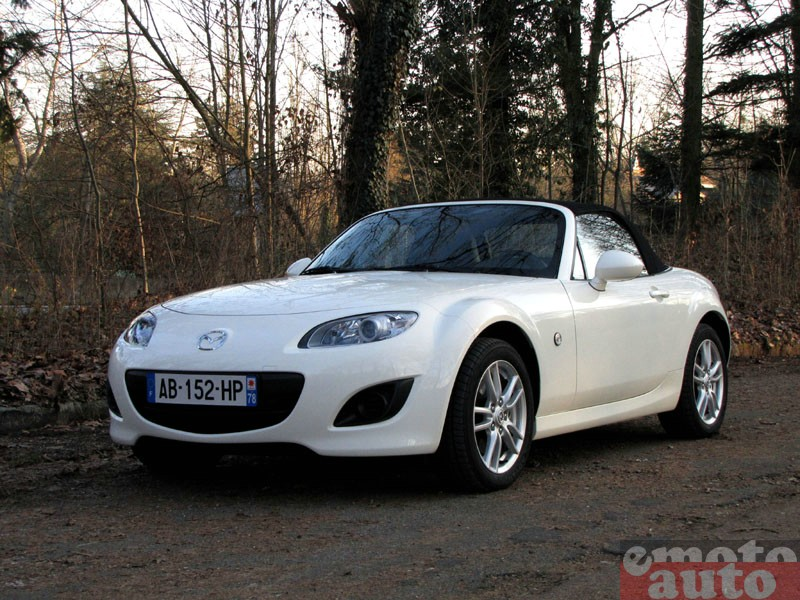 Photo Mazda MX5 1.8 MZR 126 modèle 2010