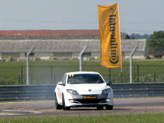contisportcontact 5p megane rs pilote