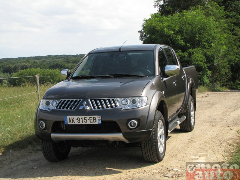Photo Mitsubishi L200 Double Cab 178 modèle 2010