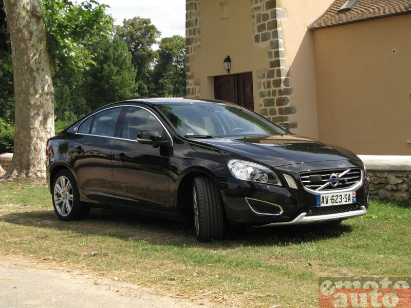 Photo Volvo S60 T6 AWD 304 modèle 2010