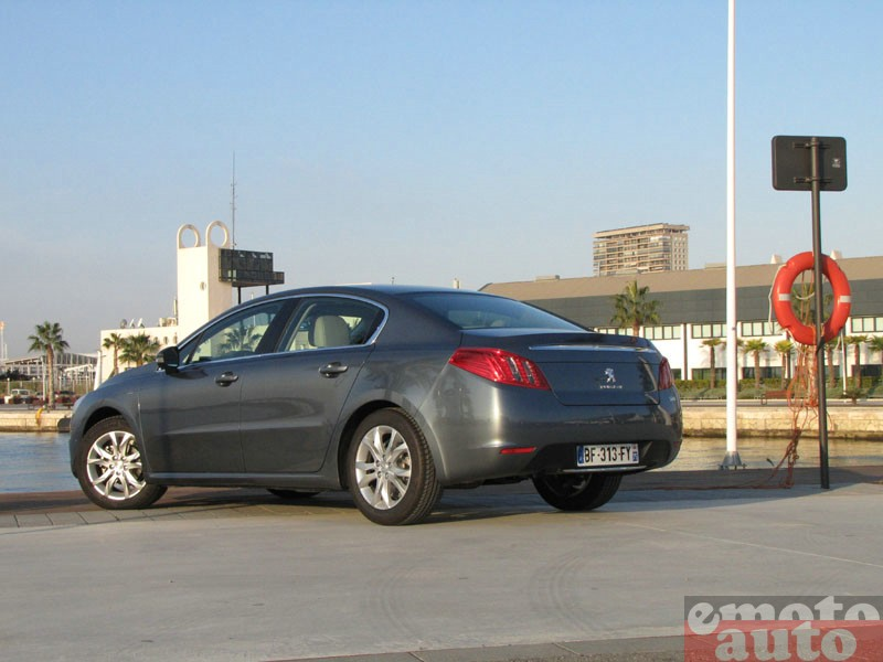 Photo Peugeot 508 1.6 e-HDi 112 modèle 2011
