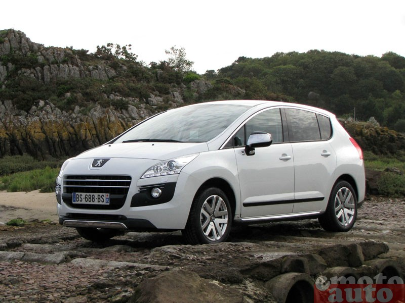 Photo Peugeot 3008 HYbrid4 modèle 2011