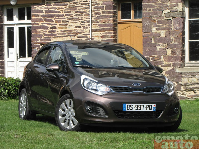 Photo Kia Rio 1.4 essence 109 modèle 2011