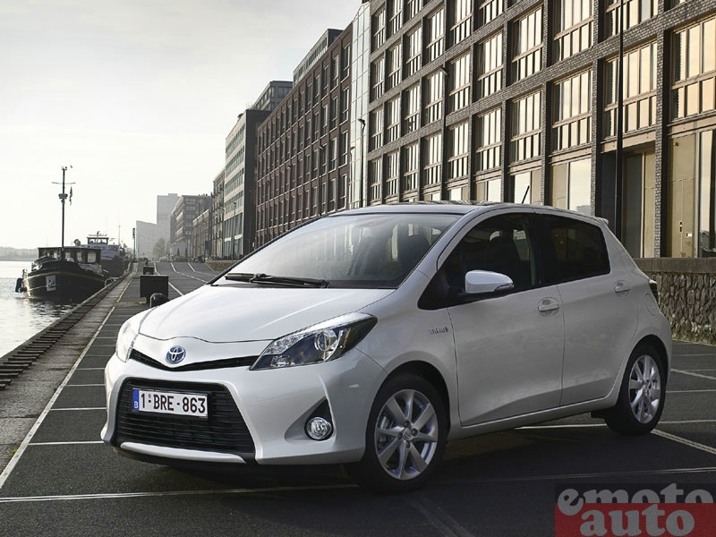 Photo Toyota Yaris hybride modèle 2012