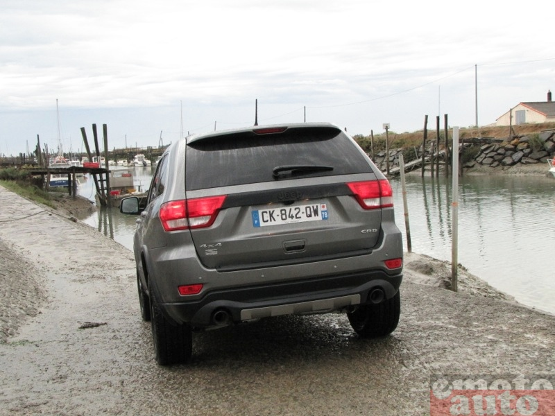 Photo Jeep Grand Cherokee S-Limited modèle 2012