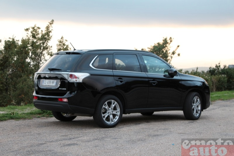 Photo Mitsubishi Outlander 2.2 DiD 150 modèle 2012